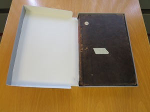 clamshell book box